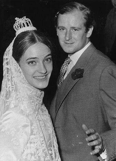 Loulou-de-la-falaise-wedding-1966